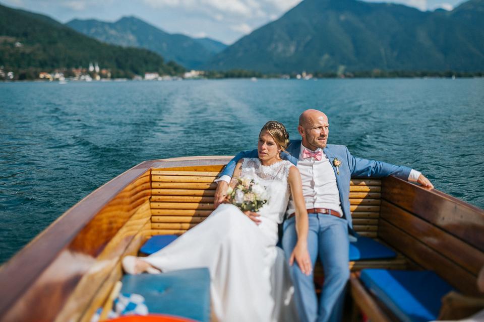 Bootsfahrt-Hochzeit-Tegernsee-Fotograf
