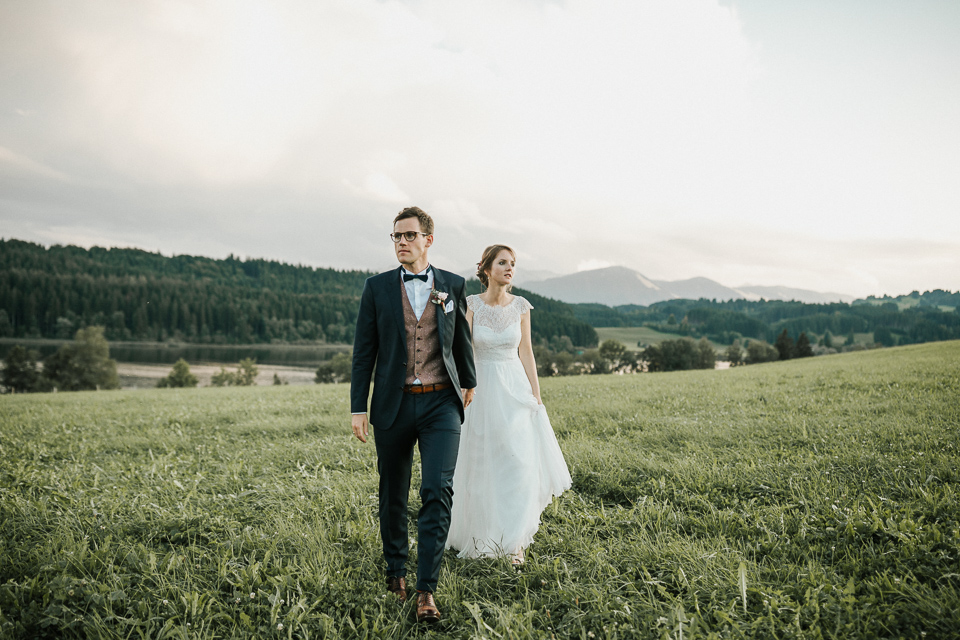 Hochzeitsshooting Paarfotos Hochzeitsfotograf im Allgäu einer Berghochzeit