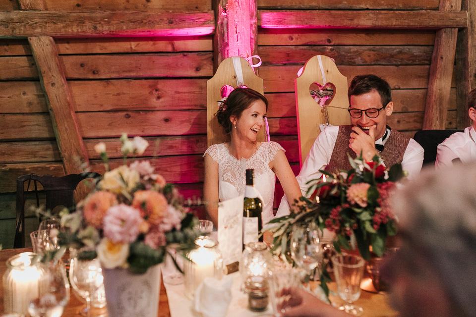 Feiern im Gauklerhof Hochzeitsfotograf im Allgäu einer Berghochzeit