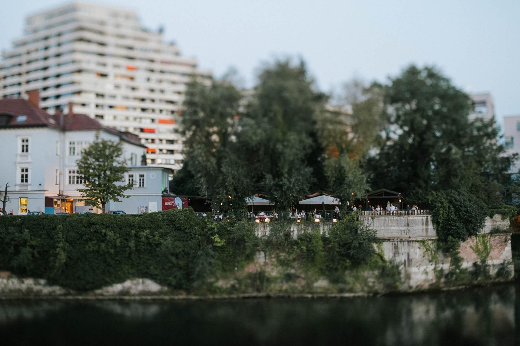 Insel von Stein ein kleine Hochzeitslocation wie das Lago in Ulm. Hier war ich als Hochzeitsfotograf unterwegs und durfte im Standesamt fotografieren